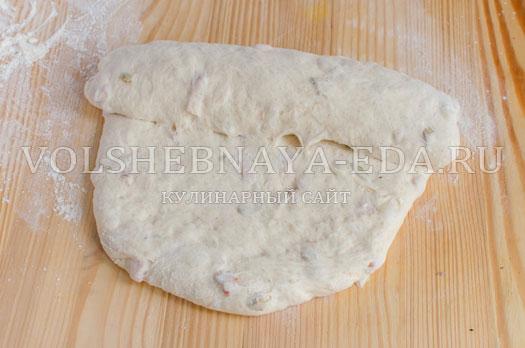 hleb-s-olivkami-i-bekonom-8