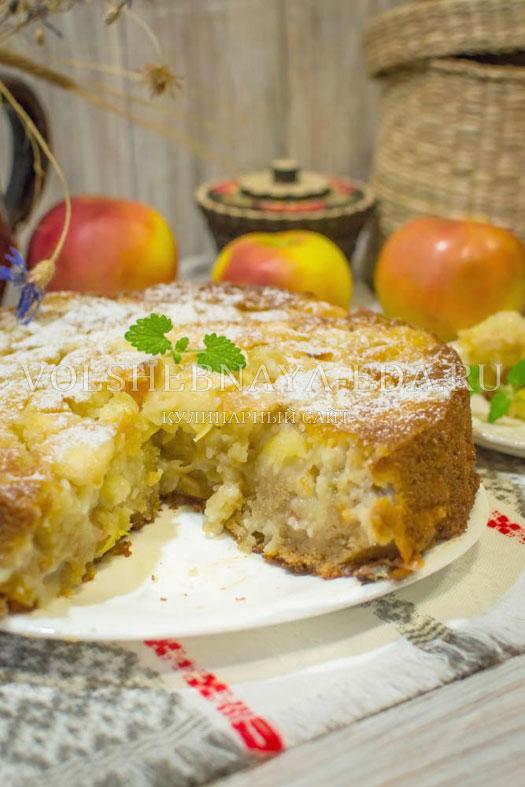 Шарлотка с яблоками рецепт с пошагово в духовке от высоцкой