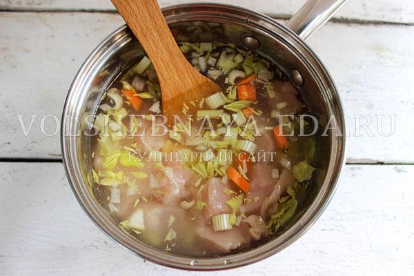 kurinyj sup pyure s seldereem 4