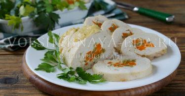 Фаршированная куриная грудка в соусе беарнез