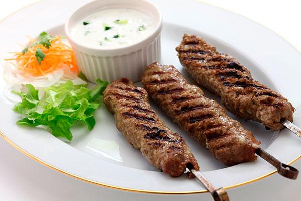 Люля-кебаб в домашних условиях, Как приготовить люля-кебаб на мангале, в духовке, на сковороде