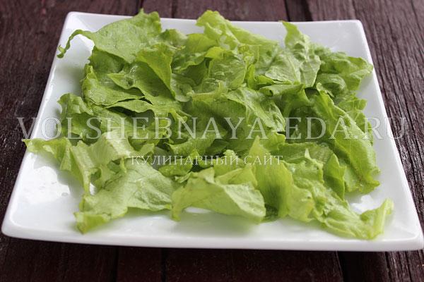 salat s kuricej i perepelinymi yajcami 1