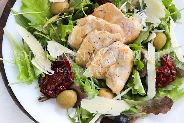 salat s kuricej pod gorchichnoj zapravkoj 10