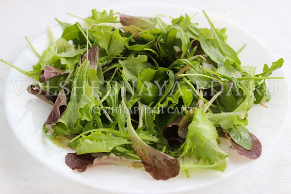 salat s kuricej pod gorchichnoj zapravkoj 3
