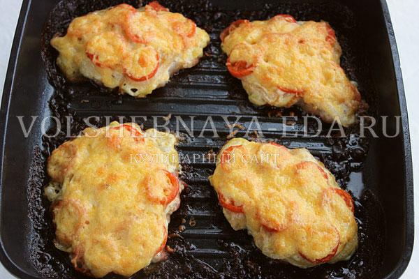 svinina s pomidorami i syrom 8