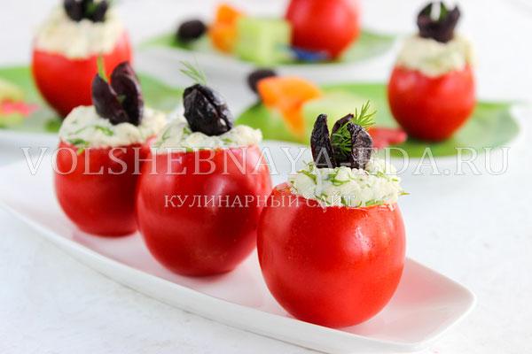 pomidory farshirovannye syrom i chesnokom 8