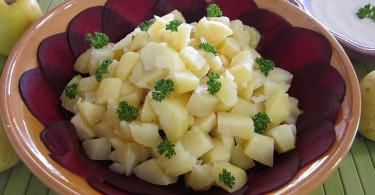 Салат из свеклы и яблока