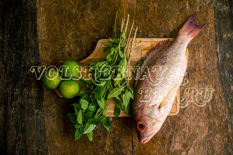 Закуска из сырой маринованной рыбы