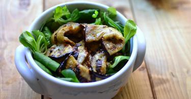 салат из печеных баклажан