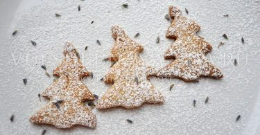 Песочные печенья елочки для ребенка