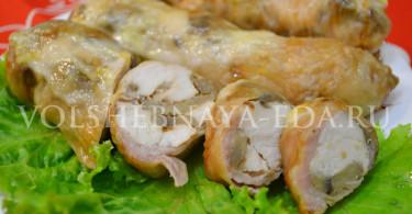 Рулет из курицы и грибов