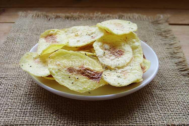 kartofelnye chipsy v duhovke 9