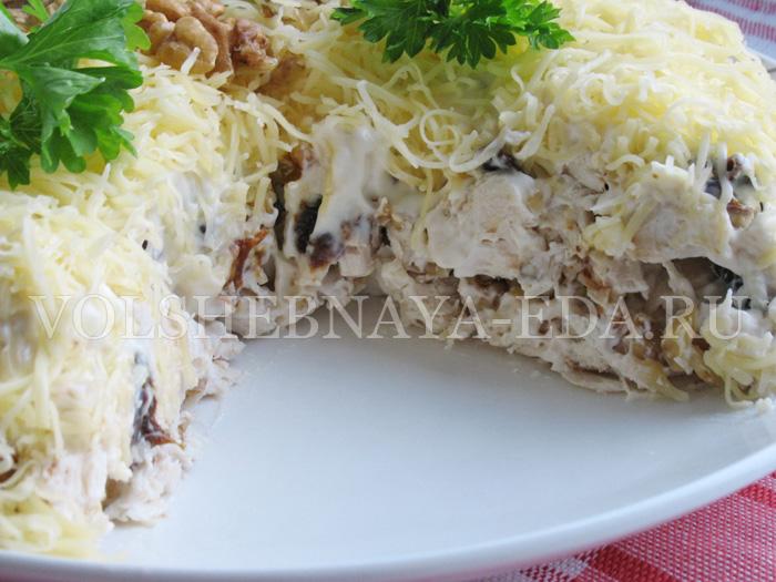 sloeny-salat-s-kuricej-itog3