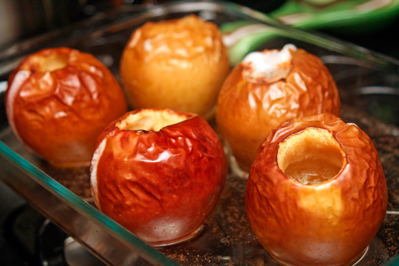 Запечённые яблоки с творогом