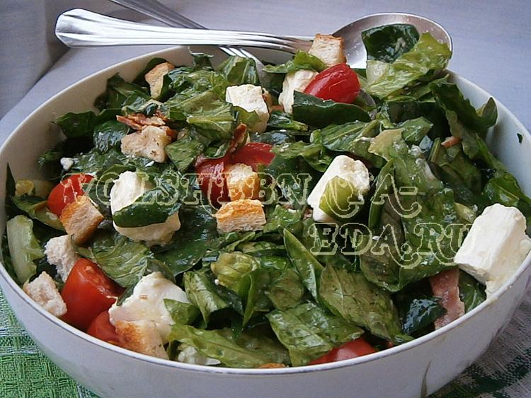 salat-so-shpinatom-i-beconom-9