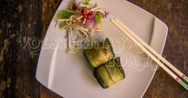 Рулетики из баклажан с сыром тофу