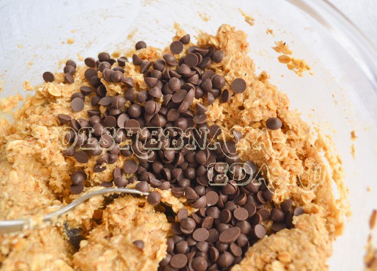 ovsjanoe-pechene-s-shokoladnymi-kapljami-7