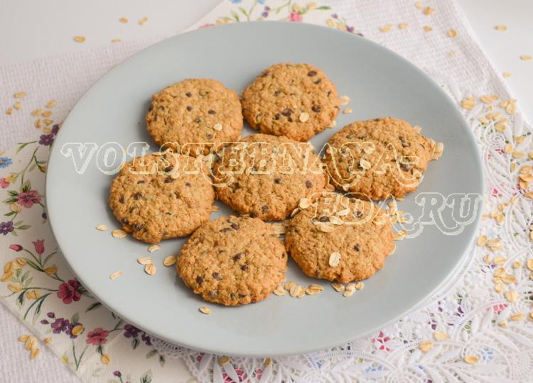 ovsjanoe-pechene-s-shokoladnymi-kapljami-9