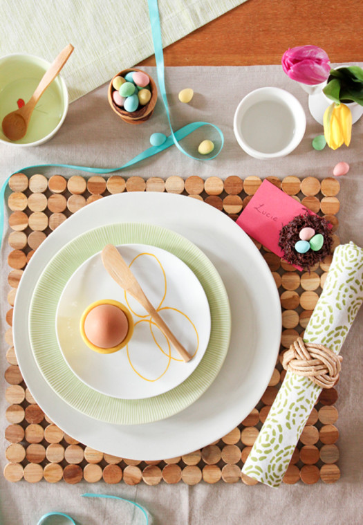 serving Easter table10