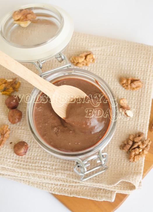shokoladno-orehovaja-pasta-dlja-zavtraka-15