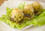 Заливные яйца рецепт