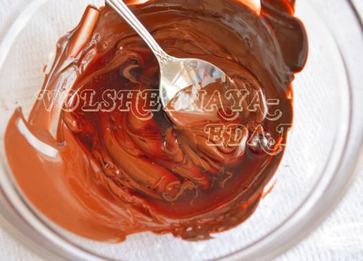 shokoladnye-beze-s-vishnevym-ganashem-9