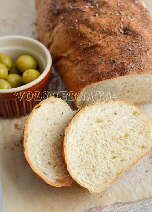 pikantnyj-hleb-s-olivkami-15