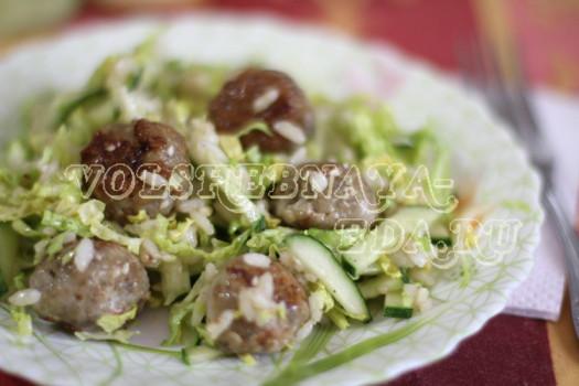 salat-s-rybnymi-frikadelkami-09