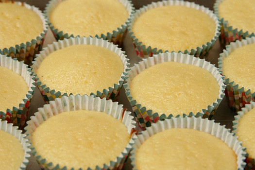 Простые капкейки на Пасху – кулинарный рецепт
