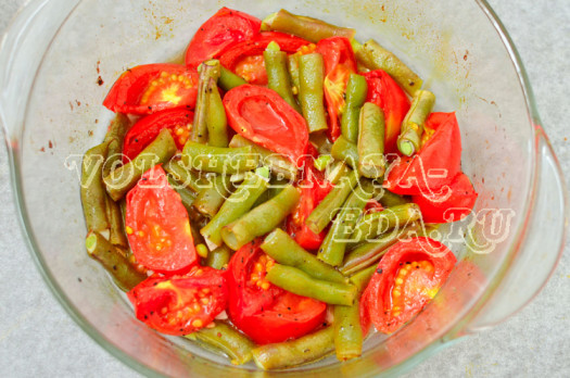 struchkovaja-fasol-zapechennaja-s-pomidormi-pesto-5