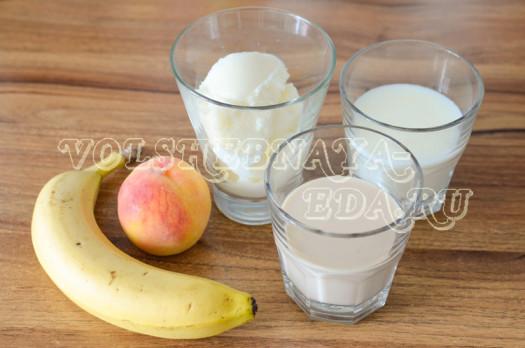 persikovo-bananovyj-koktejl-s-bejlisom-1