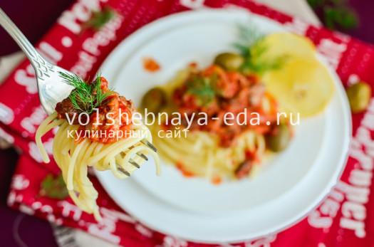 spagetti-s-tuncom-i-pomidorami-15