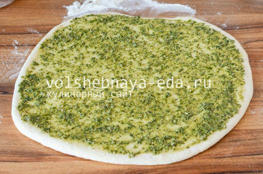 aromatnyj-hleb-s-pesto-5