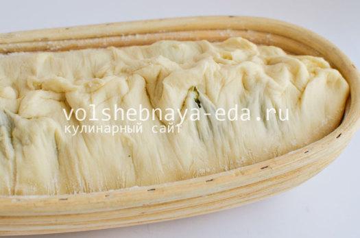 aromatnyj-hleb-s-pesto-8