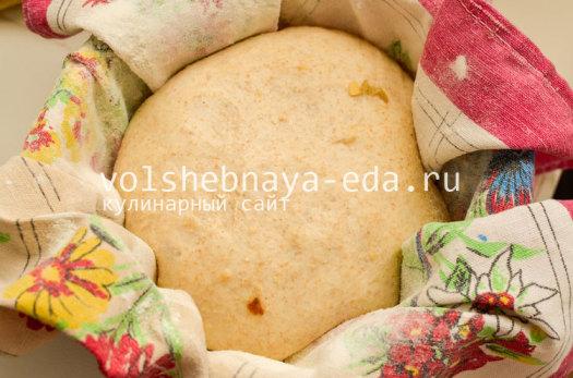 hleb-s-lukom-i-syrom-10