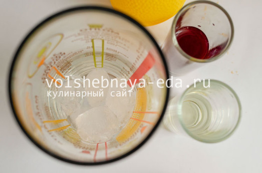 koktejl-karibskaja-smorodina-2