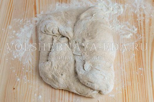 hleb-medovyj-s-izjumom-7