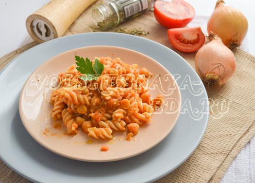 pasta-s-nutom-i-tomatami-10