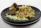 ювеци — мясная запеканка с пастой по-гречески