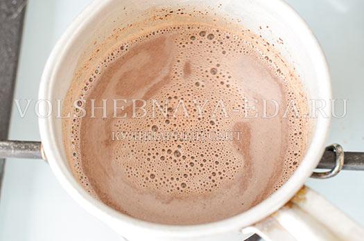 shokoladnyj-latte-s-kardamonom-6