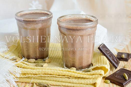 shokoladnyj-latte-s-kardamonom-7