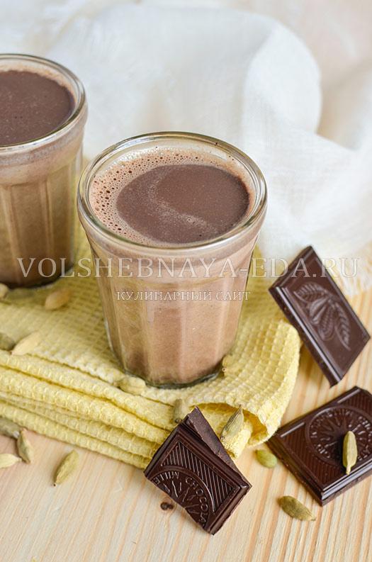 shokoladnyj-latte-s-kardamonom-8