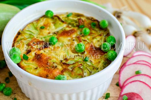 omlet-s-molodymi-kabachkami-i-goroshkom-11