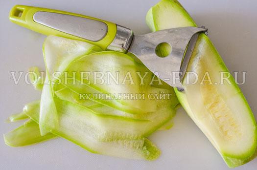 omlet-s-molodymi-kabachkami-i-goroshkom-3