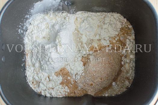 hleb-s-molodymi-kabachkami-i-morkovju-5