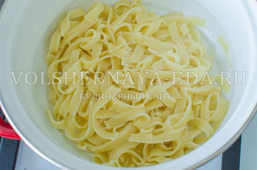 pasta-s-cukini-i-pechenymi-tomatami-7