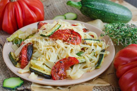 pasta-s-cukini-i-pechenymi-tomatami-9