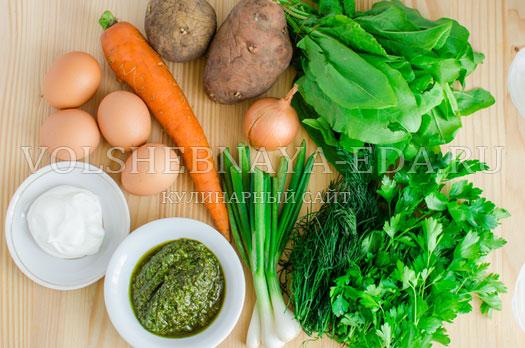 zelenyj-borshh-s-sousom-pesto-1