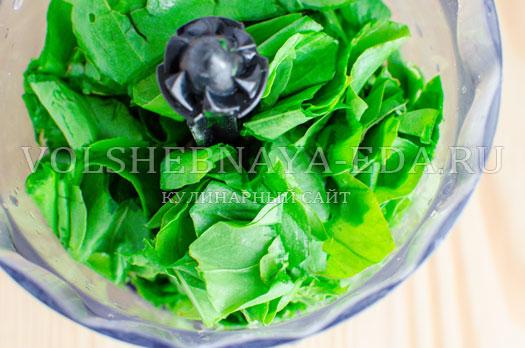 zelenyj-borshh-s-sousom-pesto-7