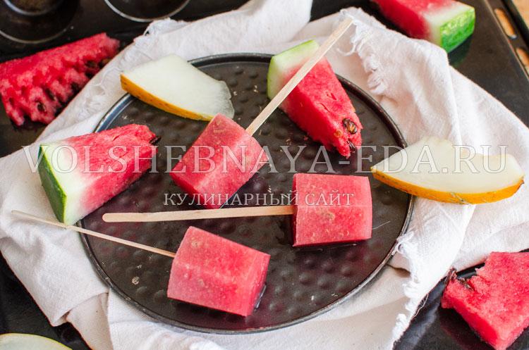 Фруктовый лед из арбуза и дыни